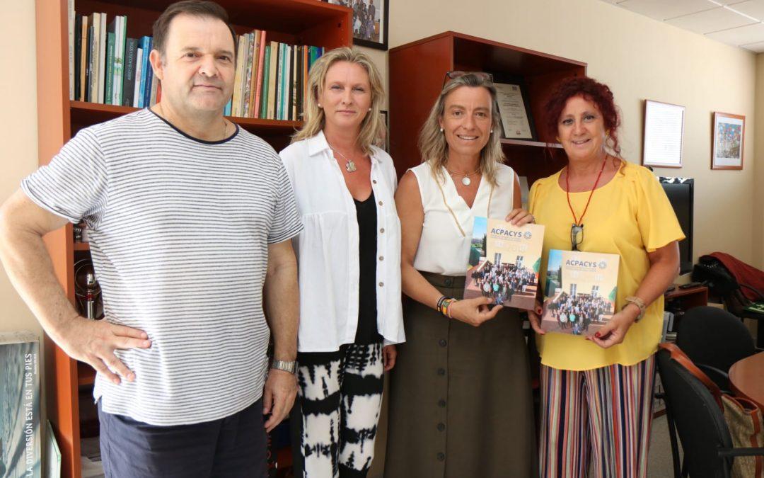Isabel Albás visita Acpacys