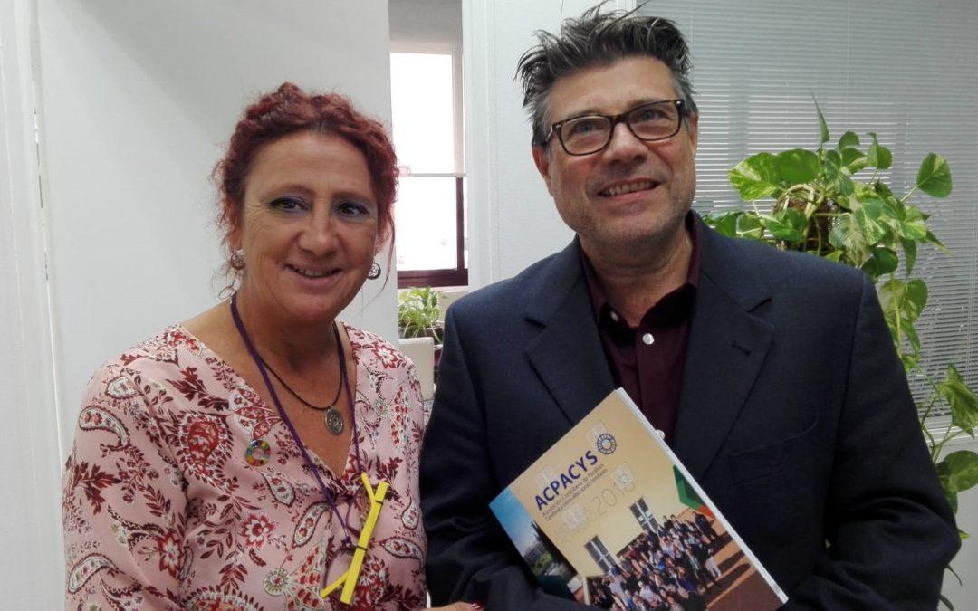 Acpacys entrega su memoria de gestión al Director General de Servicios Sociales de la Junta de Andalucía