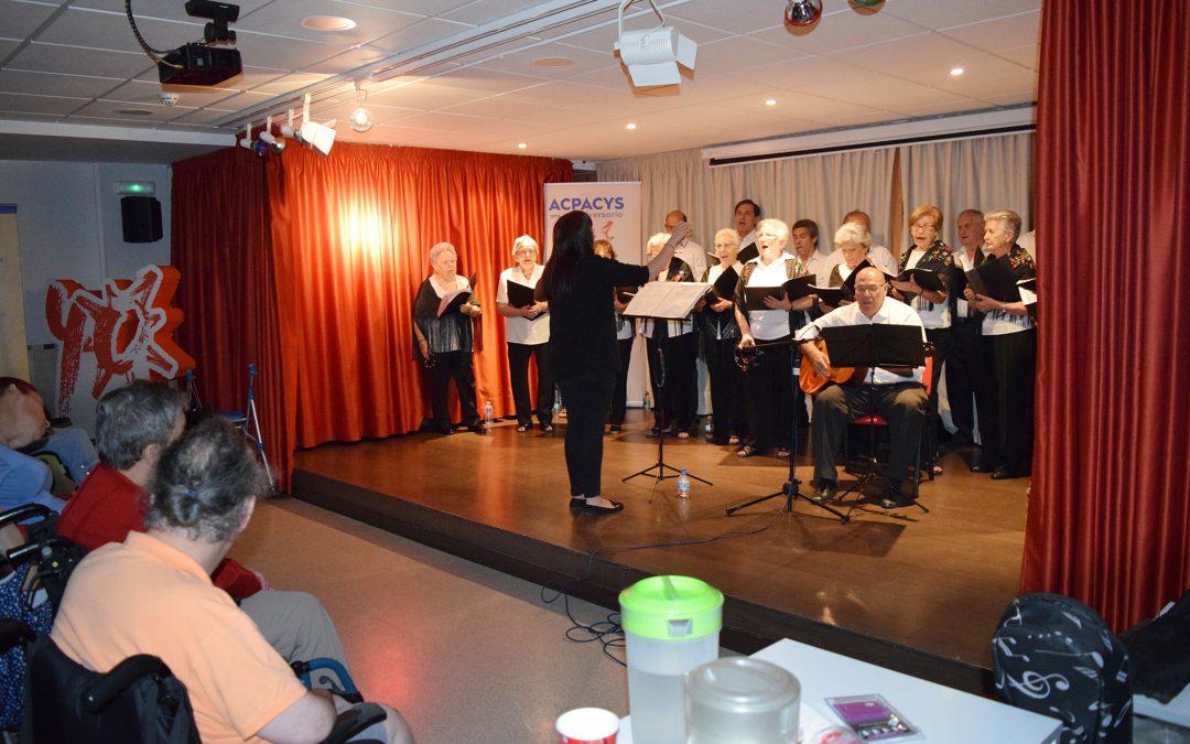 Actuación del Coro el Arte de Aprender