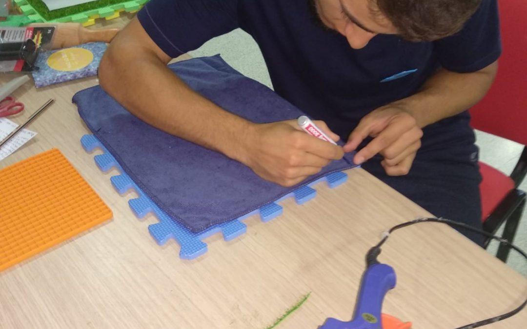 Alfombra sensorial fabricada en Fisioterapia